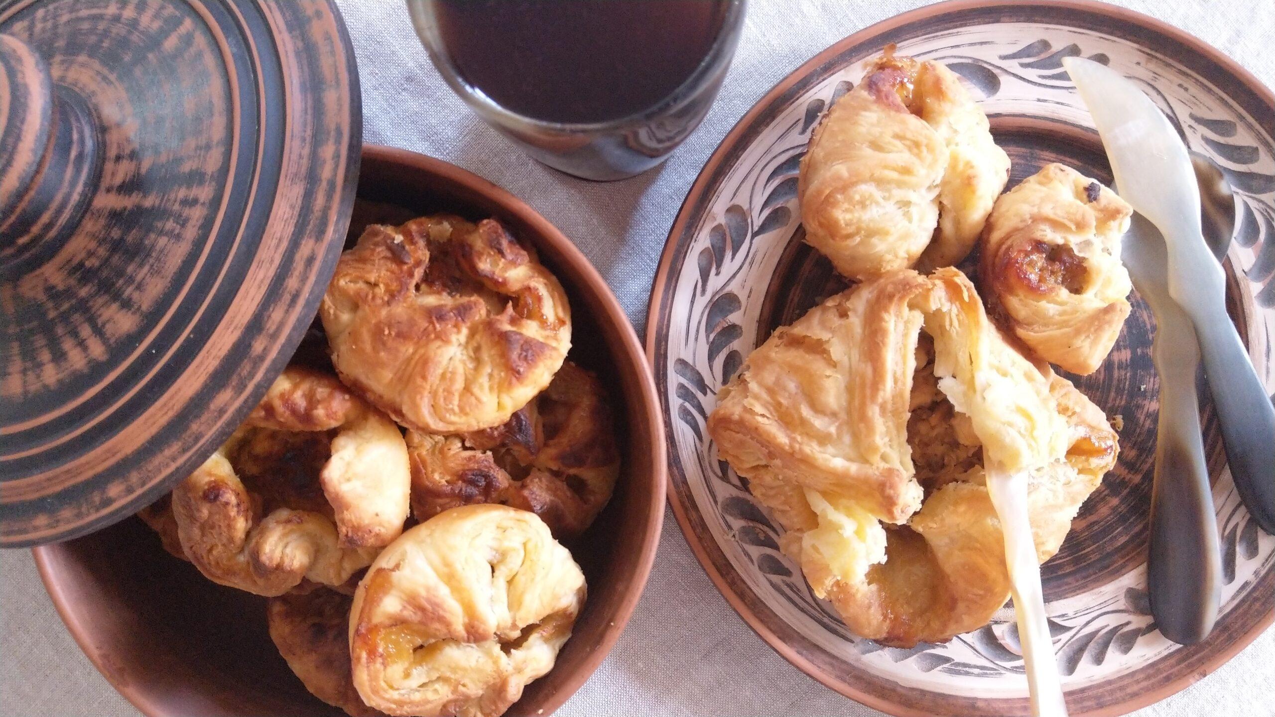 Steldene chicken and honey pastries